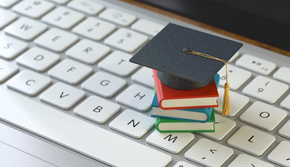 日本でもオンラインで学位がとれるんです!